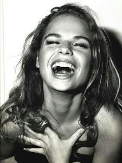 senyuman mengurangi stress
