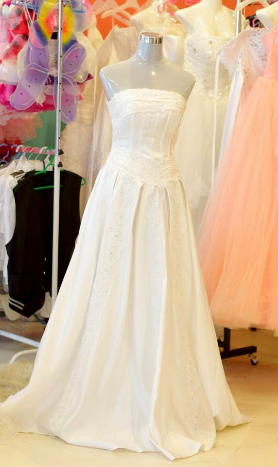 Wedding dress rental malaysia price bridesmaid dresses for Cost to rent wedding dress in jamaica