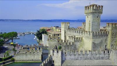 Se vuoi passare una vacanza in Lombardia,nella provincia di Brescia,ecco,un bel castello da visitare.