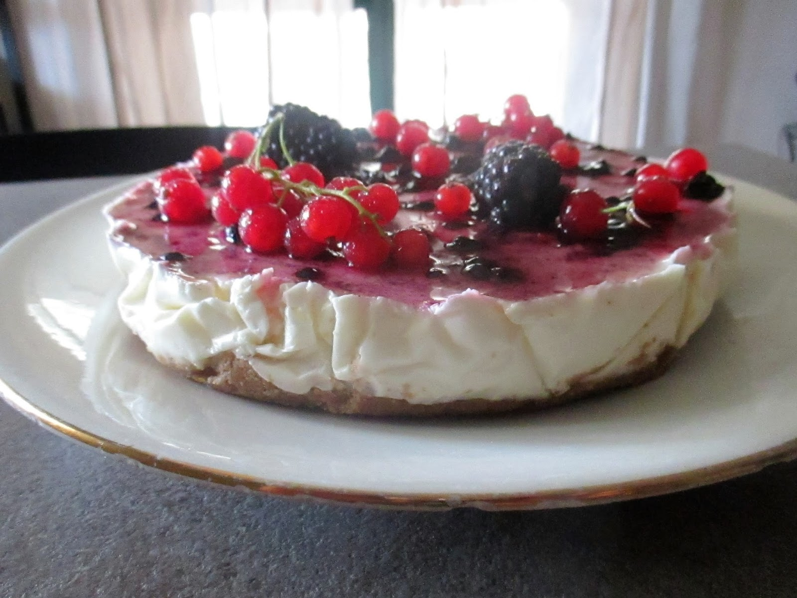 cheesecake with wild berries with greek yogurt to 35. Black Bedroom Furniture Sets. Home Design Ideas