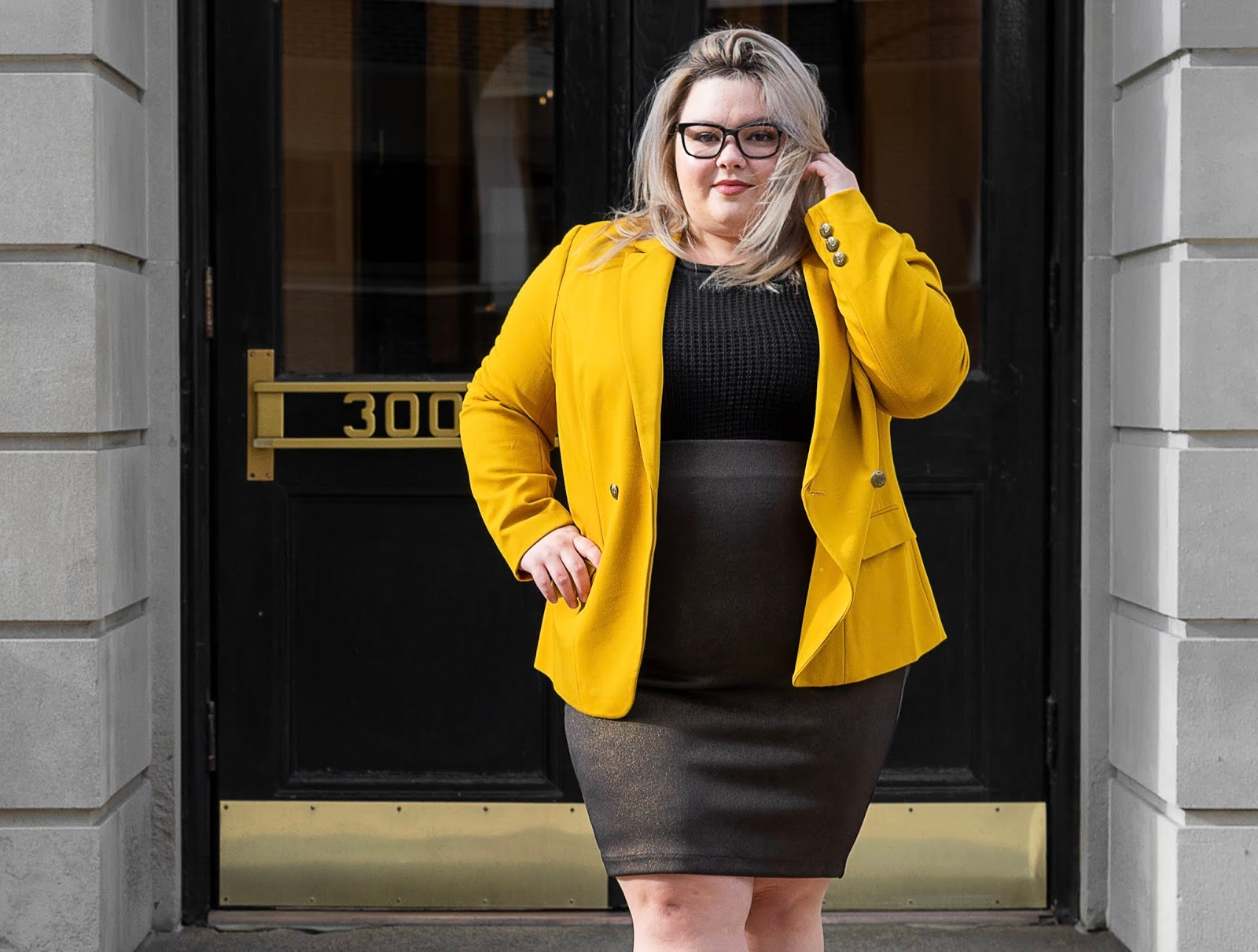 Chicago Plus Size Petite Fashion Blogger and model Natalie Craig, of Natalie in the City, reviews Marée Pour Toi's Mustard Compression Blazer and Foiled Scuba Skirt
