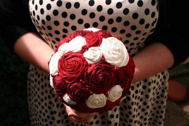 Brautstrauss Seidenrosen Rosen Seidenblumen