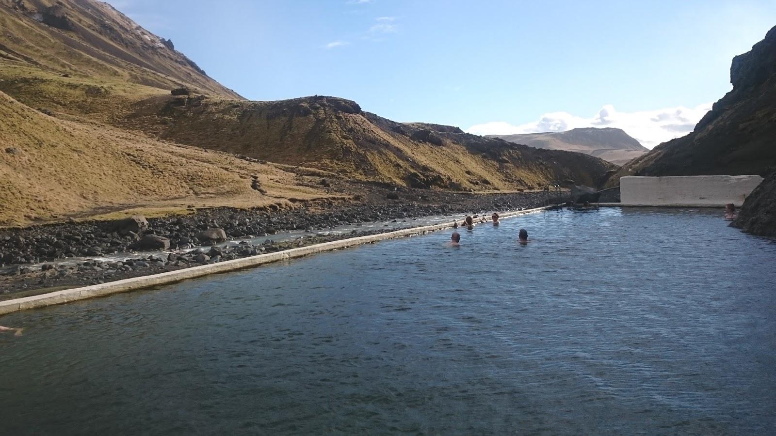 basen Seljavallalaug, basen, dziki basen, islandzki basen, gorące źródła Islandia