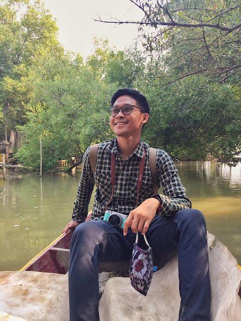 Menikmati indahnya hutan mangrove Muaragembong