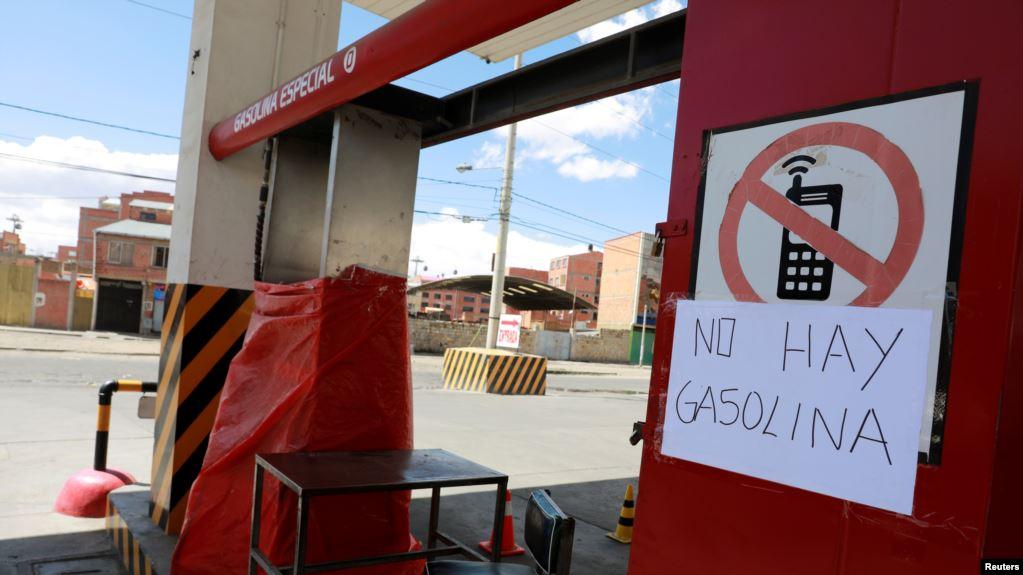 La crisis política está empezando a afectar la economía. Y ahora los seguidores de Evo Morales han llamado a hacer un cerco a La Paz y asfixiar económicamente a la capital y al gobierno de la presidente interina Jeanine Áñez / REUTERS