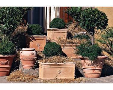 Arriva l 39 estate come valorizzare il tuo giardino - Vasi da giardino ...