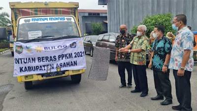 Bupati Asahan Serahkan 53.568 Beras Bantuan PPKM 2021