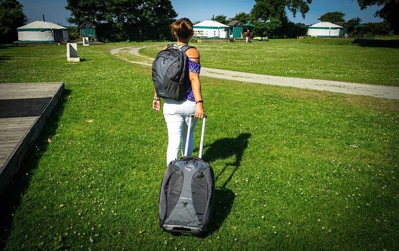 wheeled-backpack