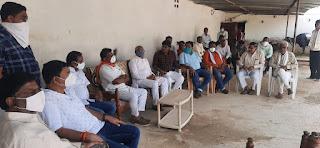 पूर्व मंत्री चौधरी चंद्रभान सिंह लगातार कर रहे किसानो से चर्चा, जल्द मिलेगी मुआवजे की राशि