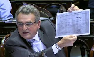 Agustín Rossi a Marcos Peña: