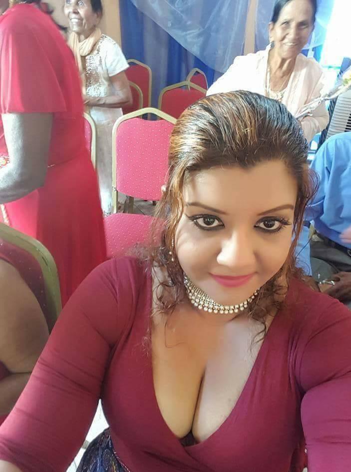 Karachi sexy aunty