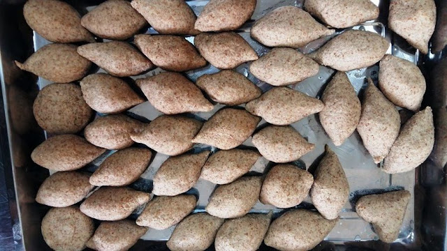 This recipe from the northern village of Endket Lentil and fennel kebbeh (kebbit aadas b shoumar) recipe