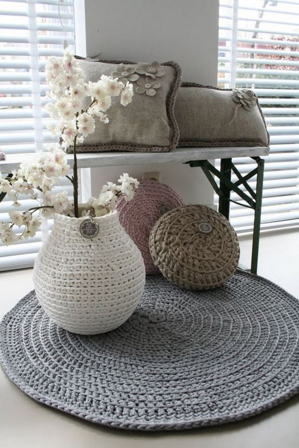 Ideas For Decorating With Carpets 1