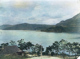 danau toba rumah dan alam sekitarnya