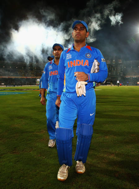 images of ms dhoni