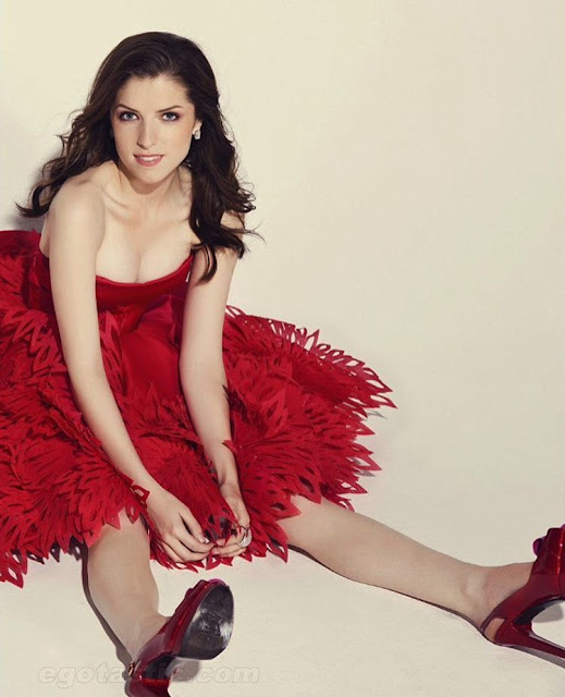 Anna Kendricks Hot Pics and Bio