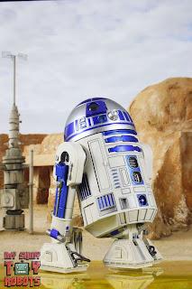 S.H. Figuarts R2-D2 02