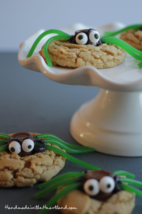 Easy Halloween spider cookies recipe