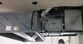 foto campana extractora y caja de filtros en restaurante madrid