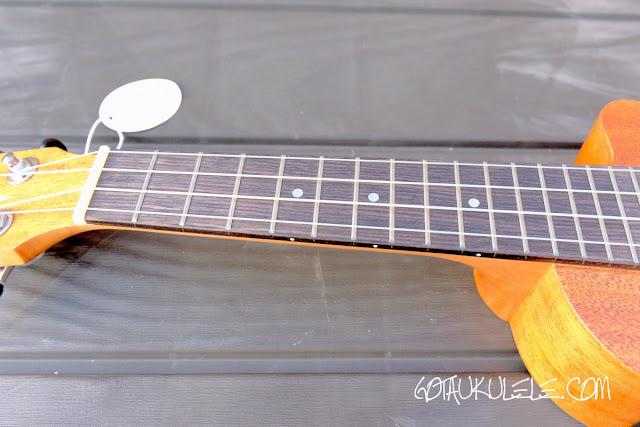 Alvarez RU22SCE Soprano Ukulele fingerboard
