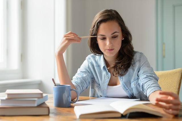 अगर आप कॉम्पिटिशन एग्जाम में पाना चाहते हैं सफलता, तो आज ही बदल दें ये आदतें