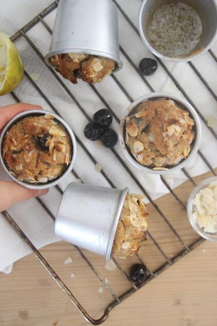 Cuillère et saladier : Muffins citron, amande et cerises amarena (vegan)