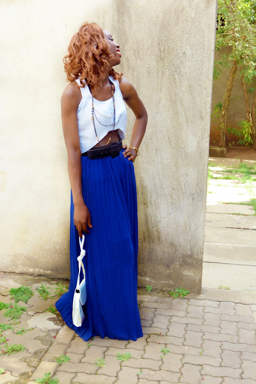 loose fit crop top, x- cross crop top, crop top and maxi skirt outfit, how to style a maxi and crop top, blue and gray, style with ezil, Ezil, African fashion blogger, Kenyan fashion blogger,