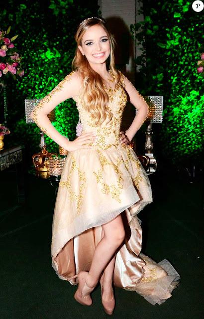 Giovanna Chaves vestidos 15 anos