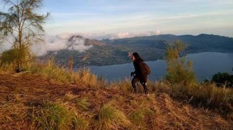 Mendaki Puncak Bukit Trunyan Bali