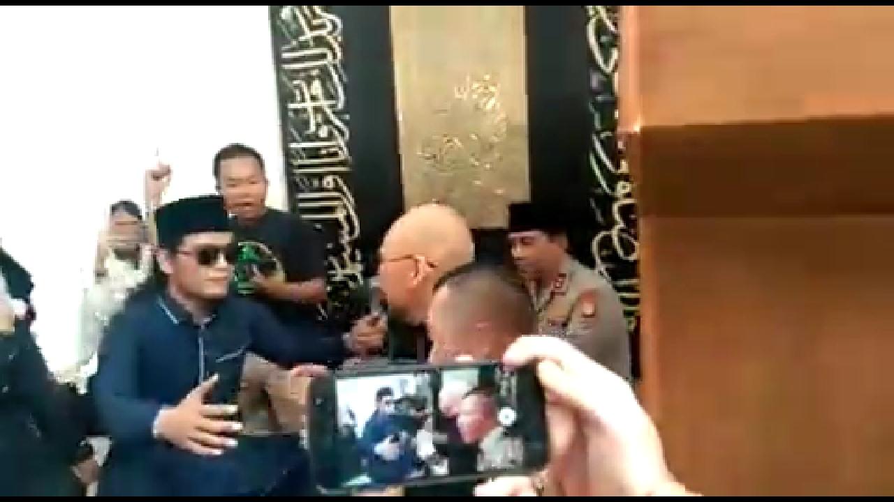 Dedy Corbuzier Masuk Islam, Harapan Netizen Bikin Merinding