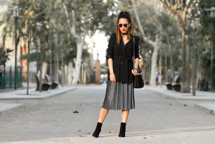 Blogger influencer de moda valenciana con looks de mujer bonitos comodos tendencias