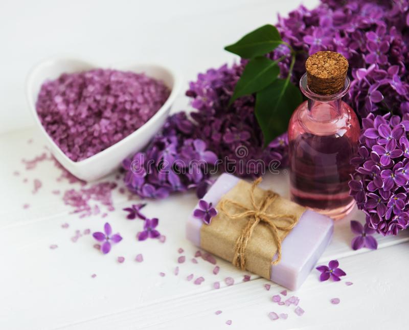Benefícios do Óleo Essencial de Lilás Para a Saúde