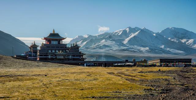 Leh Ladakh tour india's best place to visit