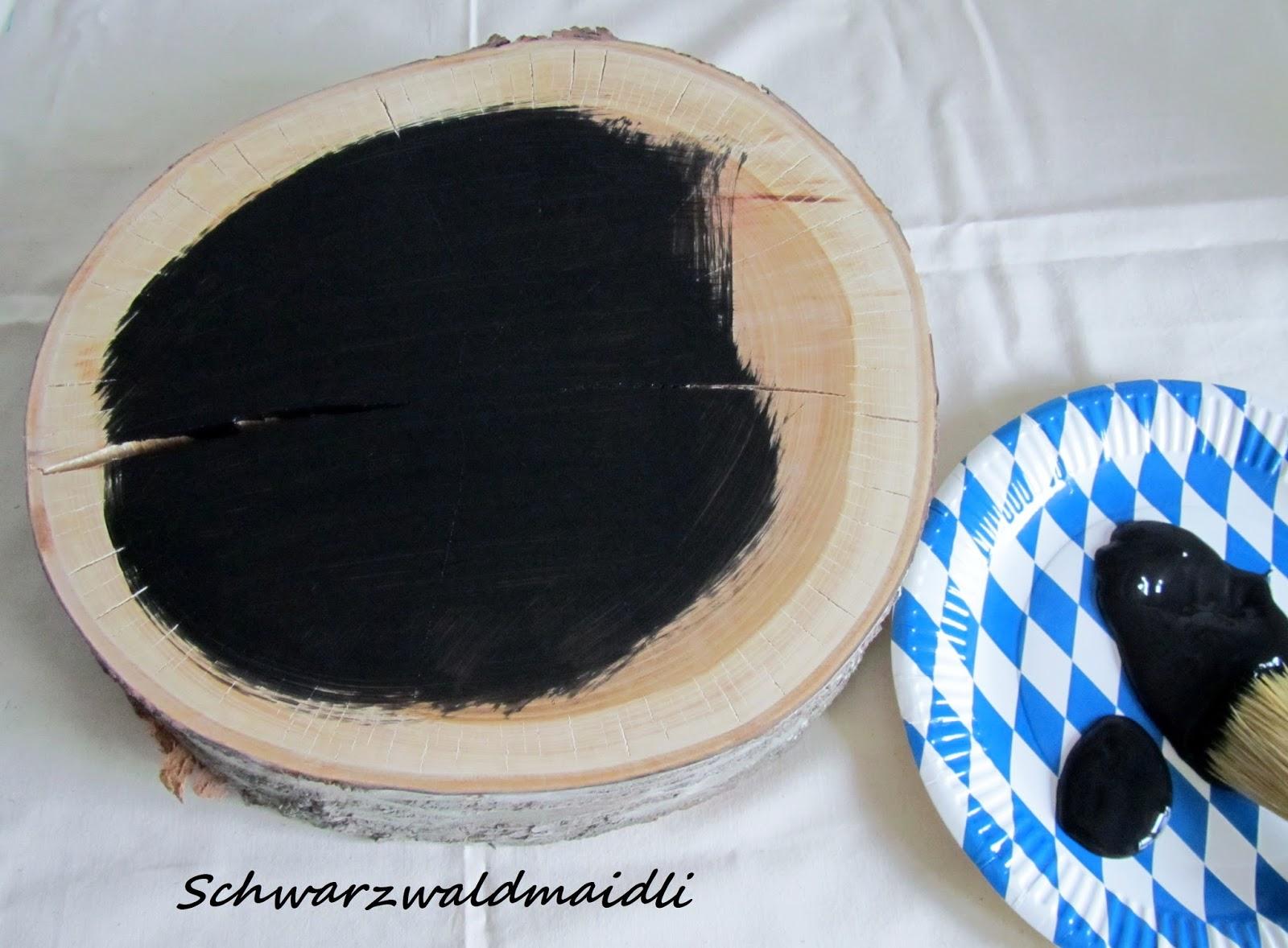 schwarzwaldmaidli diy tafellack auf baumscheibe. Black Bedroom Furniture Sets. Home Design Ideas