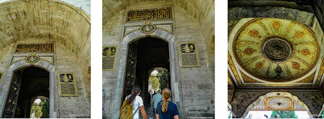 Portal de acesso ao primeiro pátio do Palácio de Topkápi