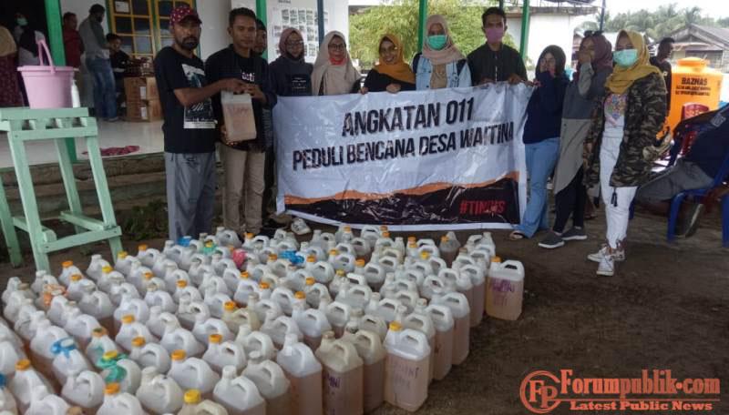 Angkatan 011 Kepsul Galang Solidaritas Bantu Warga yang Terdampak Banjir di Desa Waitina dan Mangoli