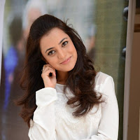 splendid Nisha agarwal latest hot pics free downloads