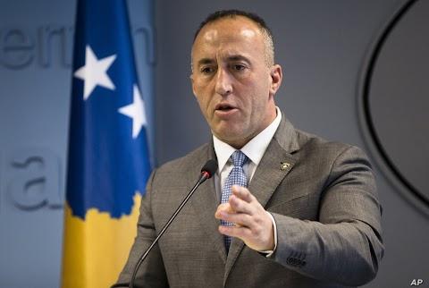 Ramush Haradinaj megtagadta a válaszadást a koszovói háborús bűnöket vizsgáló bíróságon