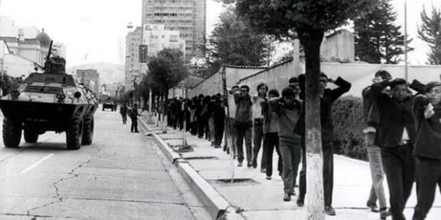 """EVO: """"PICHONES DE DICTADURA"""" DE 1980 SE AVINIERON A DEMOCRACIA EN BOLIVIA"""