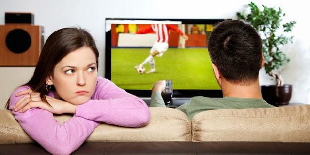 4 Tanda Pasangan Sudah Bosan Denganmu