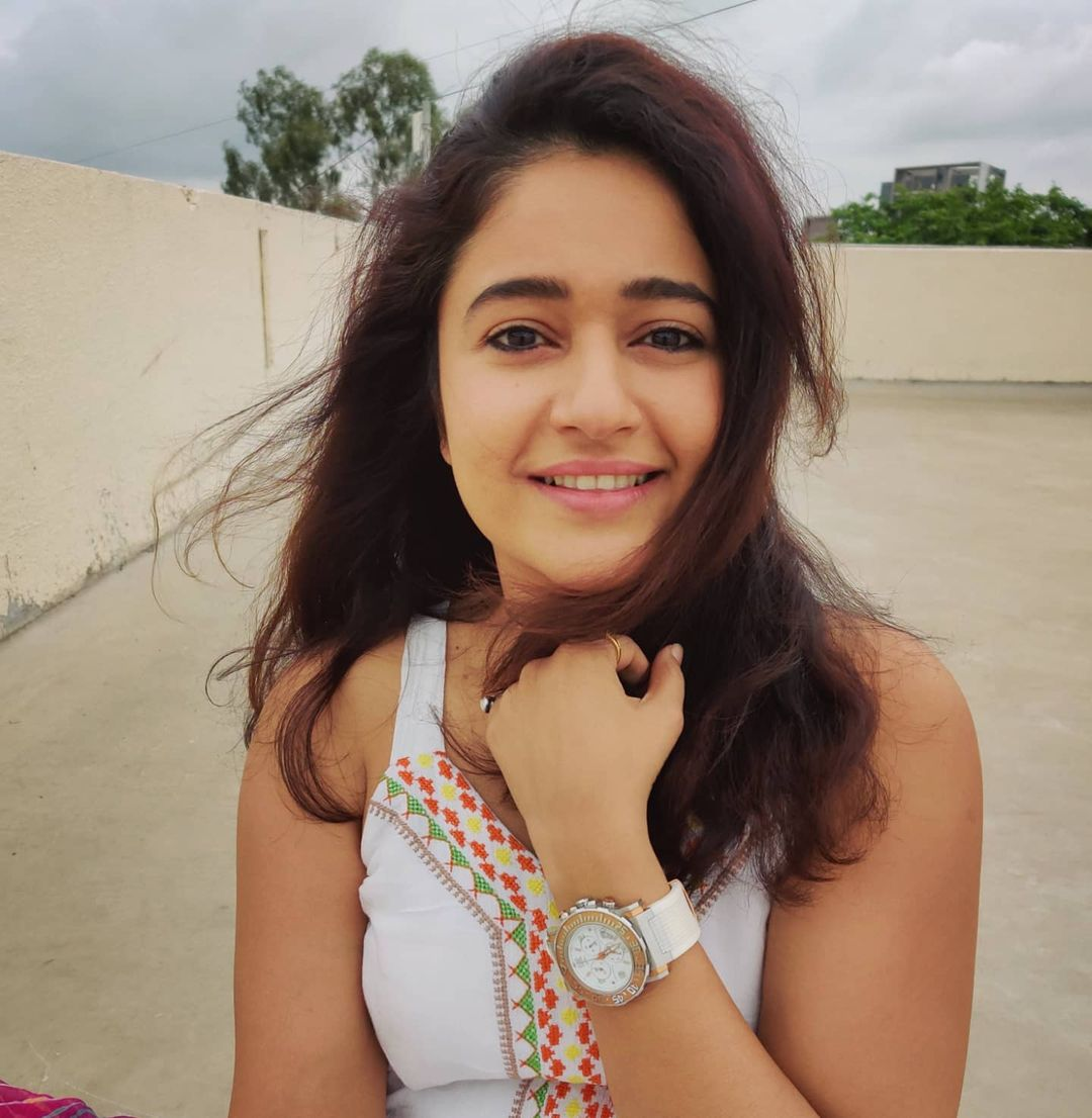 Poonam Bajwa Last Cute Beautiful Photos