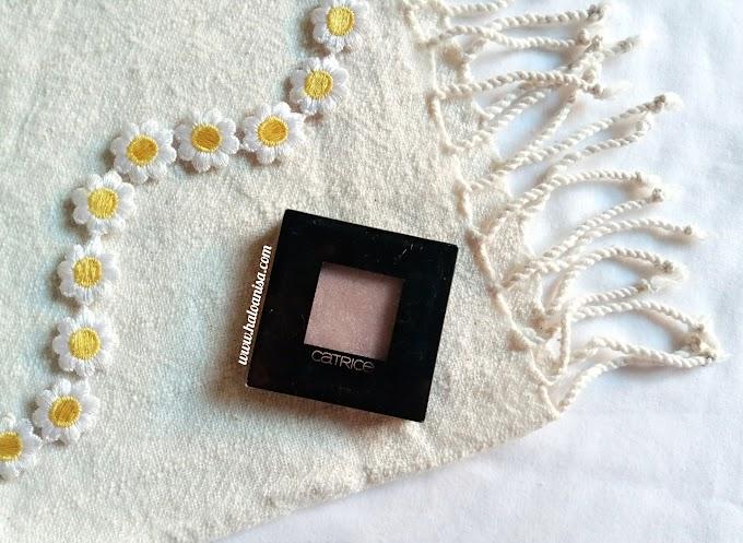 [Review] Eyeshadow Yang Bisa Jadi Highlighter -  Catrice Pret-a-Lumiere Longlasting Eyeshadow