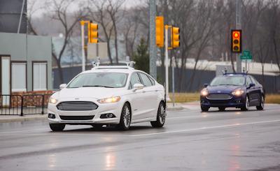 Ford promette auto self-driving senza pedali e volante entro il 2021