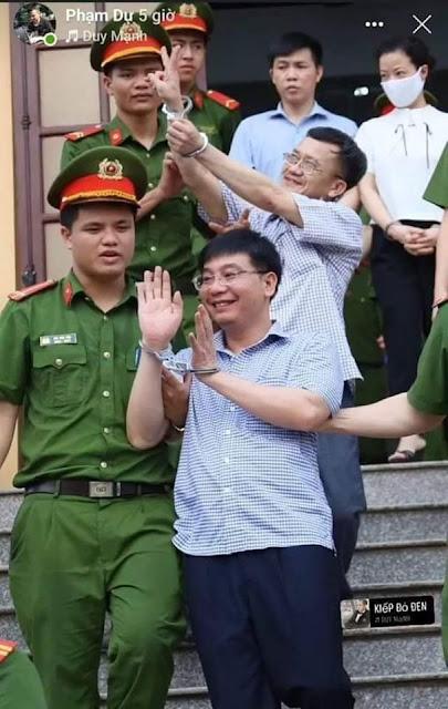 Trong Giáo dục lai có những con người như Nguyễn Quang Vinh, Biểu tượng ngành?