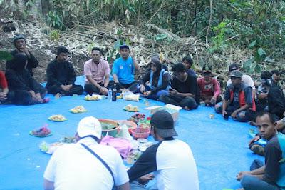 Blusukan ke Linggasana, Wabup Berdiskusi Bersama Petani Kopi