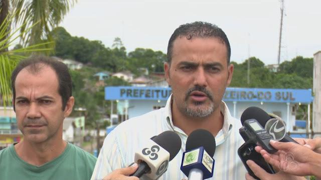 Prefeito de Cruzeiro do Sul exonera oito pessoas de cargos de confiança e justifica medida como 'choque de gestão'