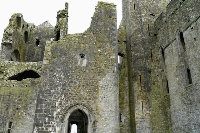 Dublin to Tipperary Road Trip: Exploring the Rock of Cashel