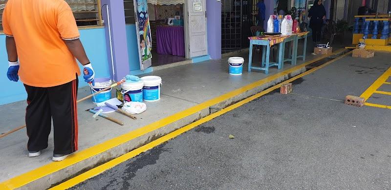 Gotong Royong Perdana Sekolah Anak