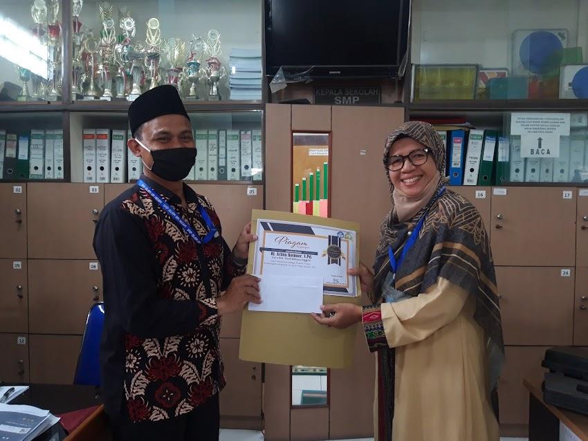 Guru SMP Islam An-Nizam Terus Berkarya ditengah Covid 19
