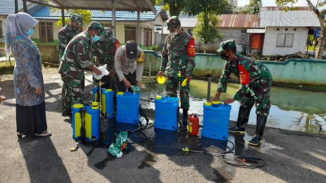 Pasca Banjir, Satgas Covid-19 Melakasanakan Peyemprotan Serentak Wilayah Kab.HST